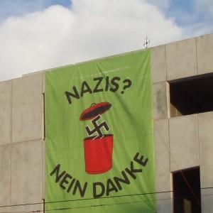 "Transparent ""Nazis? Nein Danke!"""